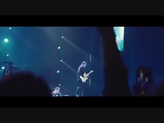 Panic! At The Disco исполнили вживую Bohemian Rhapsody