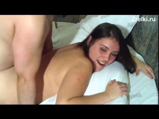 Сисястую зрелую мамашу жестко трахает взрослый мужик  Домашнее порно