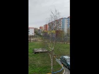 Сотрудники полиции разгоняют детей с детских площадок - Сургут, ул. Энергетиков