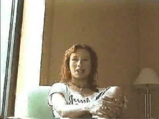 Tori Amos talks happiness (1995)