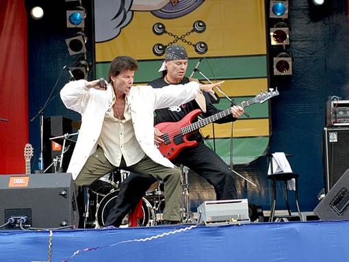 Самому неутомимому и энергичному певцу российской эстрады Олегу Газманову исполнилось 69 лет!