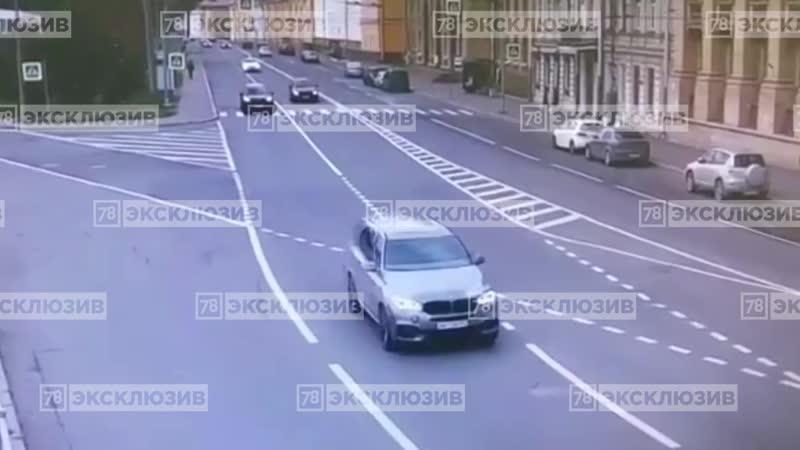Разложили 911ый на Ждановской, А ранее Ситимобиль протаранил БМВ