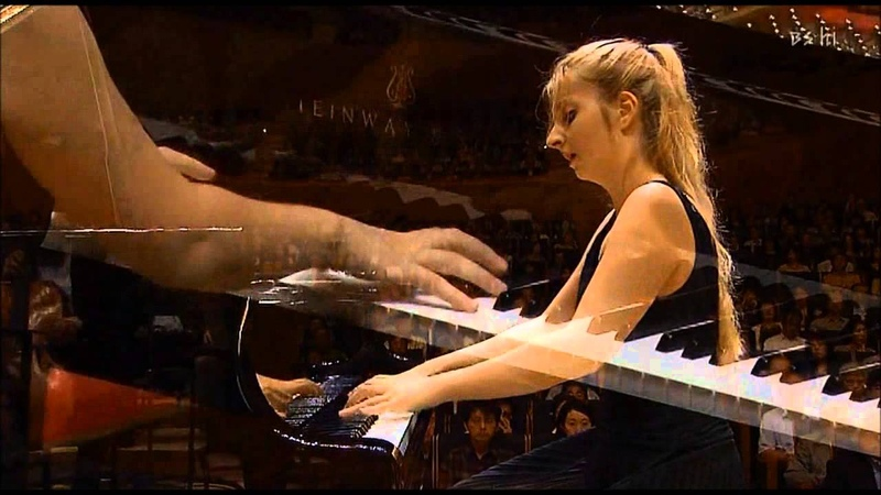 Chopin Piano Concerto No.2 1st Mov. (1/3) - Lise de la Salle (P)