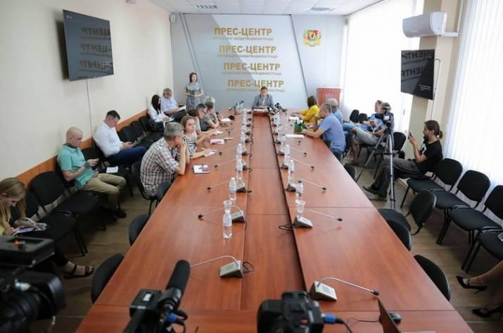 Комарницкий сообщает о проверках в Луганской ОГА