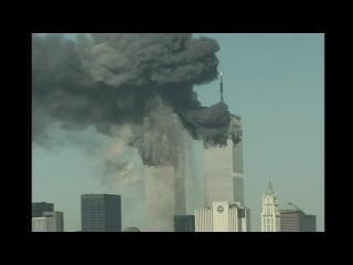 Атака на Всемирный Торговый Центр. 9:03 - самолет рейса 175 авиакомпании United Airlines таранит Южную Башню. 11 Сентября 2001 г