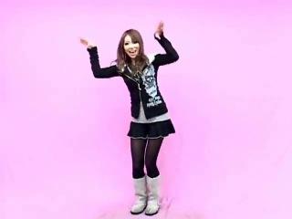 Танец няшки под песню Ike Ike
