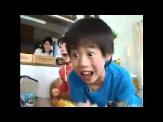 Маленькие придурки-фанаты Губки Боба! :D