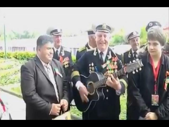 რუსი ომის ვეტერანები მღერიან ქართულ სიმღ 430
