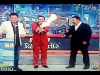 На бразильском телешоу загорелся ведущий