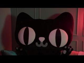 Кто скрывается под маской кота?!