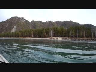 Курс на Голубые озера. Маршрут проложен по  р. Катуни