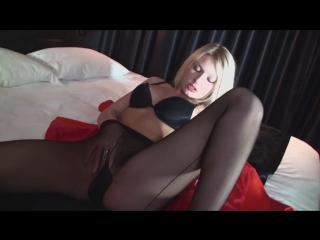 Strumpfgebiete_1-Scene_2-Lucy_Heart-1080p