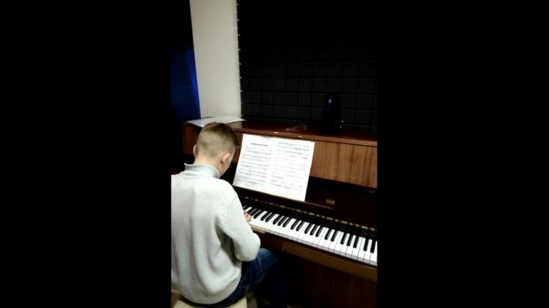 Урок по фортепиано