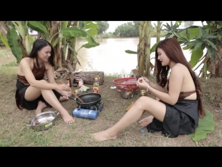 Hot two girl from vietnam