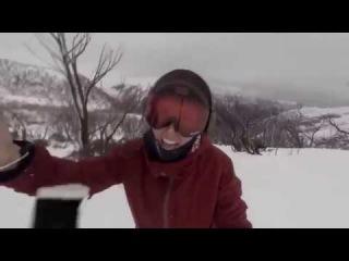 Сноубордистка случайно сняла бегущего за ней медведя