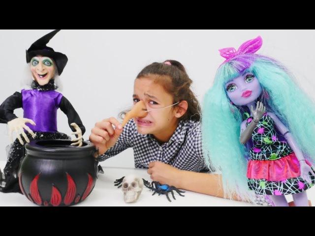 Monsterhigh.Asu Ela ve Twyla sihirli iksir için CADININ evinde temizlik yapıyorlar! kızoyunları