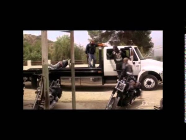 Sons of Anarchy - Tig's rescue