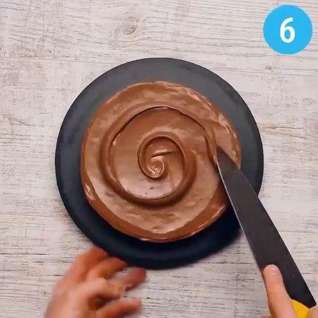 "IDEAS FOR GIRLS💋 on Instagram: ""DIY CAKE DECORATING!😱 Tag your friends! 👇🏽😋 Follow: 👉🏽 @ideasdegirls 🎥 @tips_and_tricks_fabiosa ➖➖➖➖➖➖➖➖➖➖➖➖➖➖➖➖ a..."