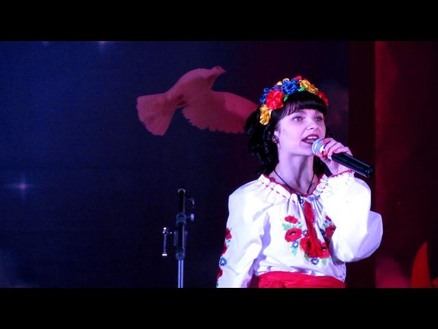 Оля Фонарьова - Тече вода (М. Яремчук)