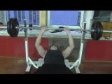 жим штанги руками на горизантальной скамье - узкий хват - вес 70 кг
