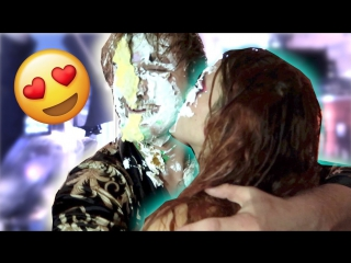 Logan Paul Vlogs: BELLA THORNE ATE CAKE OFF MY BODY!