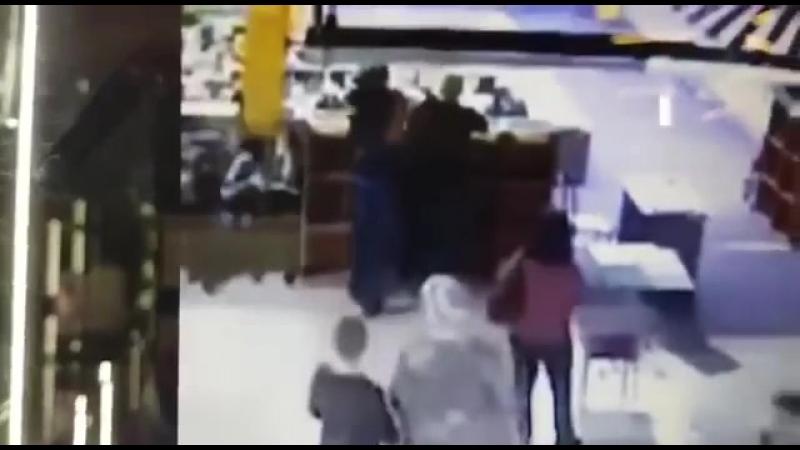 Тот самый волшебный момент,который был вырезан из основного видео!