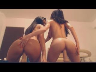 Webcam girls two girls ride dildo porn big tits две подружки скачут на дилдо