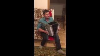 Цыган Константин спел на баяне песню очень душевно! Советуем его посмотреть!