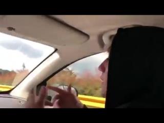 Paulo londra tirando free en el auto.mp4