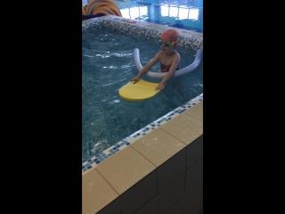 Детская секция по плаванию для 4-7 летних. Тренер: Михаил Грицков.