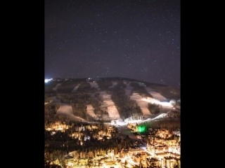 The Night has fallen and shows its stunning lights in Vail Valley, Colorado (Timelapse) - Imgur
