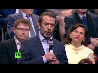 Путин загадывает Машкову слово в игре крокодил