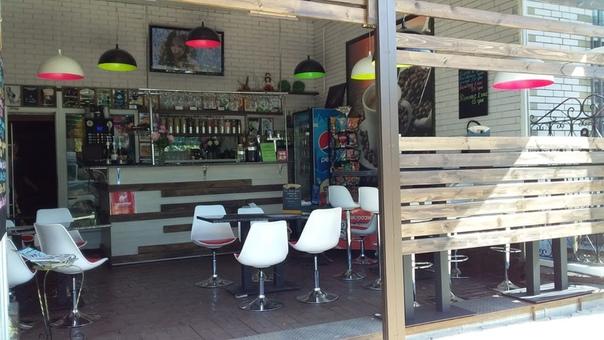 На постоянную работу требуется Бармен в Кафе на районе РТС, приятный коллектив ждет вас.