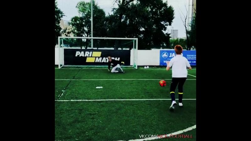 Текаши играет футбол l Qweex l vk.comnice_football
