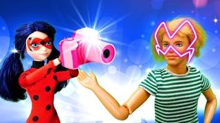 Леди Баг и Супер Кот - Кен всех фотографирует! Мультик с куклами - Игры для девочек