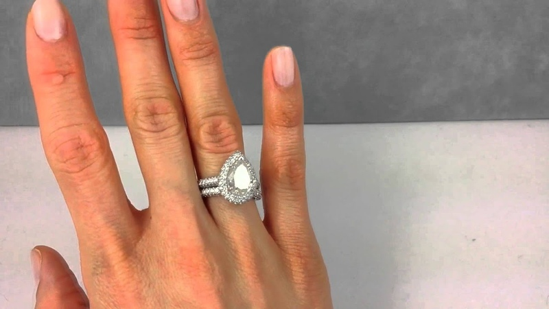5.02 ctw Pear Shape Diamond Engagement Ring and Matching Wedding Band Set