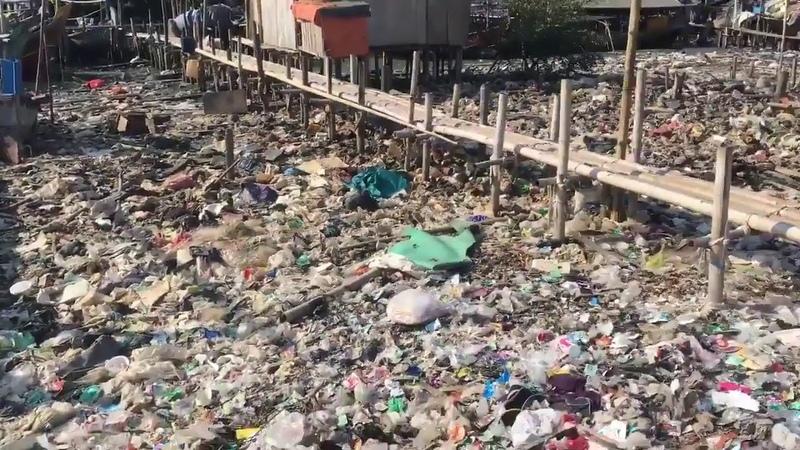 Schreckliche Bilder von der Küste Indonesiens