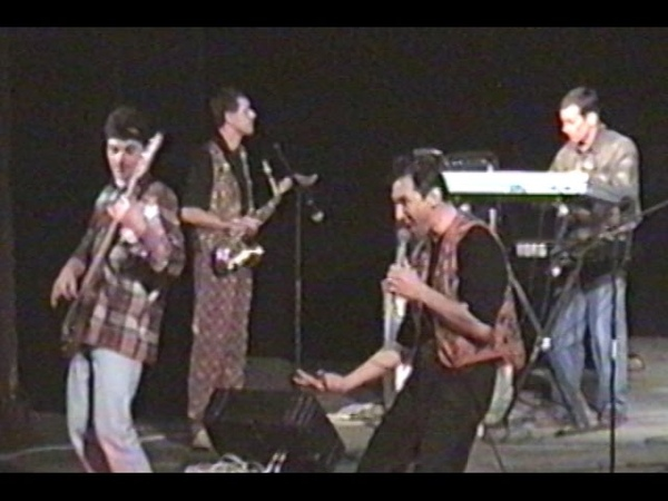 Архивная запись 1997г. Музыканты гр. ДеD-Rock на Рок-фестивале Европа плюс Нижний Новгород (Группа X-Ray*S (Кстово)