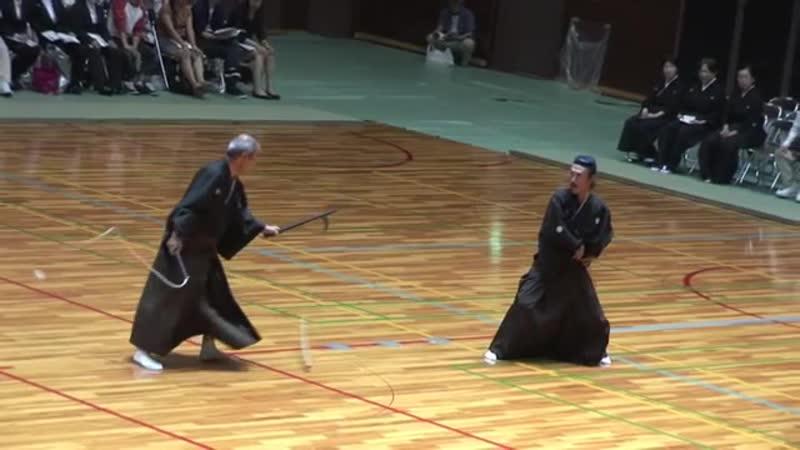 Nito Shinkage Ryu Kusarigama Jutsu 二刀神影流鎖鎌術 - YouTube (360p)