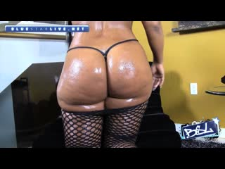 Mia bunny - bbw pawg big ass booty butts ass shaking twerk ass play big legs big thigh dancing latin lingerie panties stockings