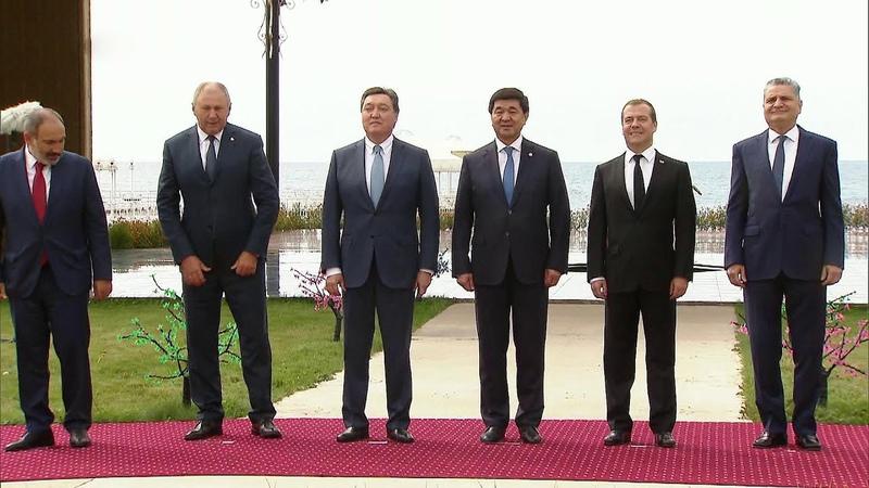 На Евразийском межправительственном совете обсуждали, как снизить барьеры для движения товаров.