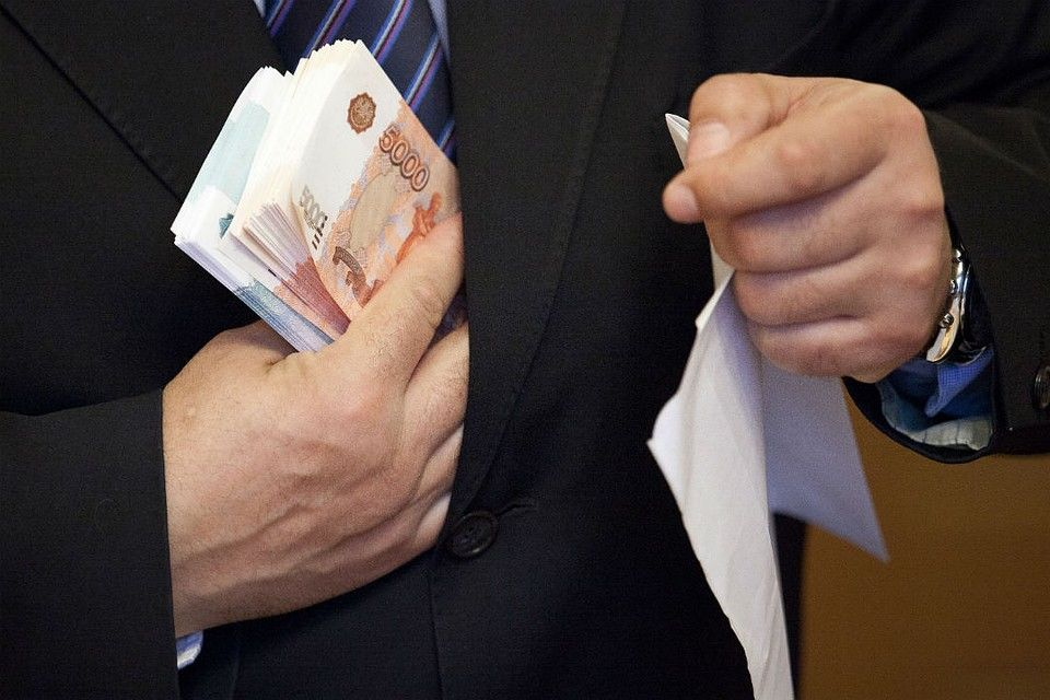 Директор учреждения в Будённовске «премировал» себя казёнными деньгами