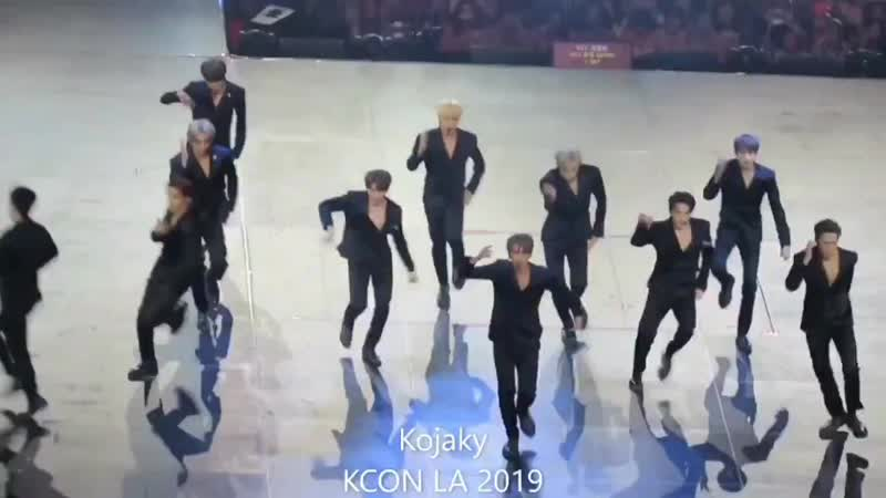 It's always so satisfying to see them so in sync omg.mp4