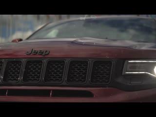 Grand Cherokee SRT-8 (WK2) - итало-американский Жан-Клод Ван Дамм который может