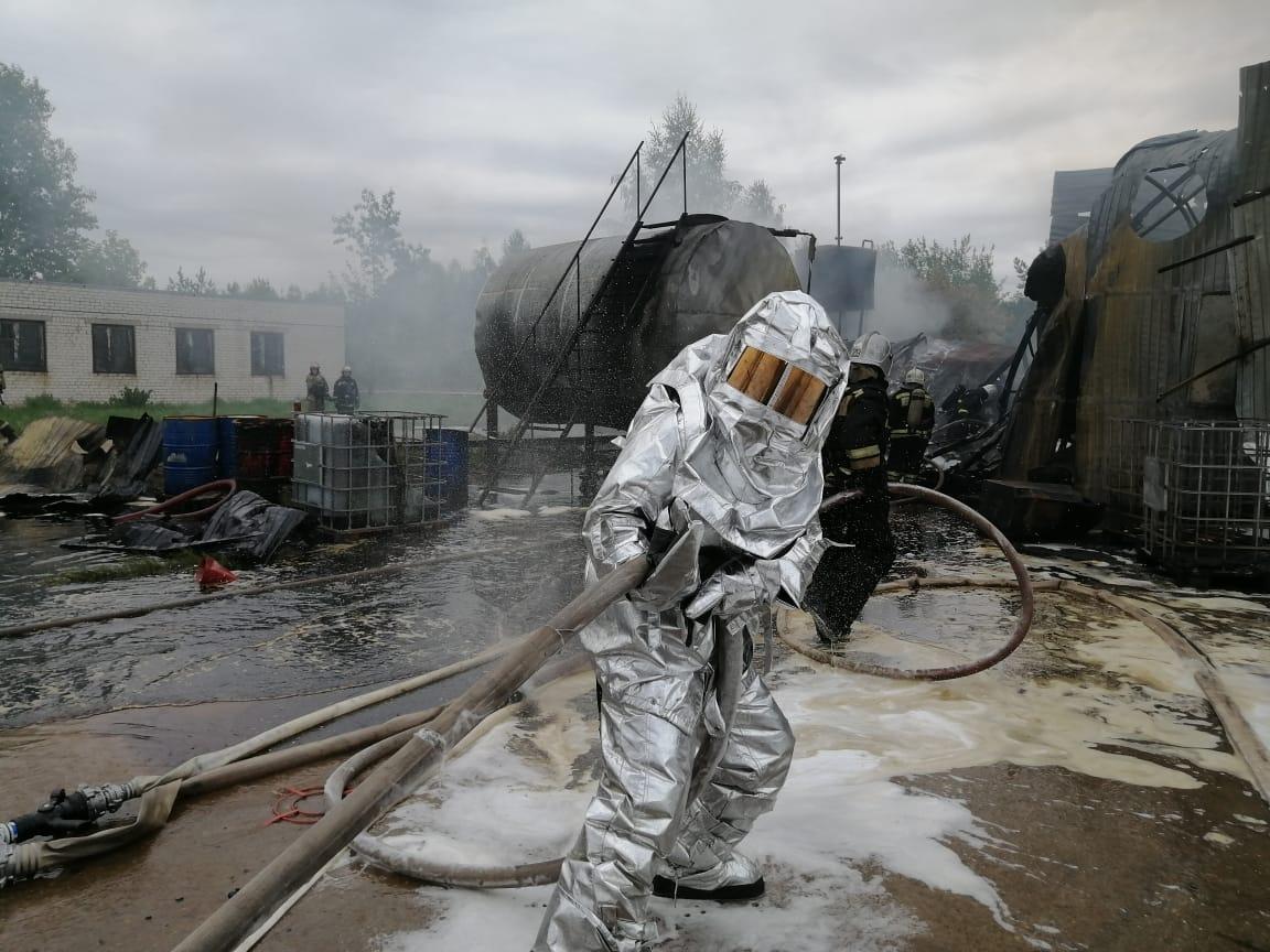 пожар на промзоне Логопром в Нижнем Новгороде на улице Коновалова 6 11 августа