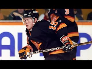 Pavel Bure with one of the best goals ever in game 5 vs Blues (1995)
