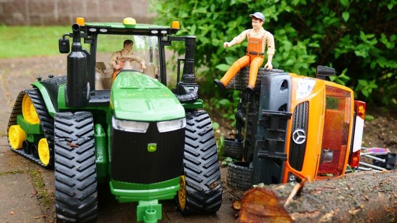 Giochi per bambini con giocattoli. Le macchine al lavoro. Video educativi in italiano