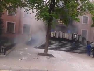 Штурм здания донецкой областной прокуратуры.