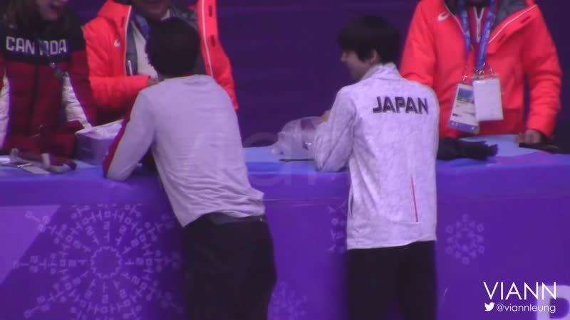 2018.02.24 Yuzuru Hanyus cute moments with other skaters on Olympics Gala Practice