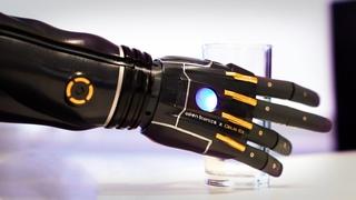 Инженеры создали новую бионическую руку, которая может расти вместе с вами